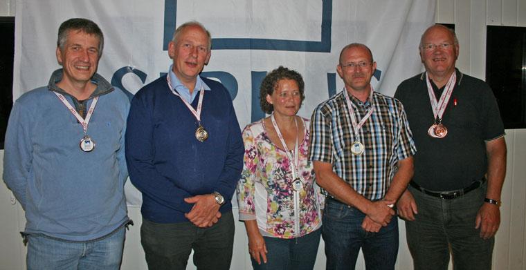Sirius Air Rally 2011 blev suverænt vundet af Hans Birkholm med fru Anne-Marie. Til venstre ses Paul Saunders og Kjeld Hjort, der blev nr. 2, mens Kurt Gabs (th) blev nummer 3, da regnskabet var gjort op i Haderslev.